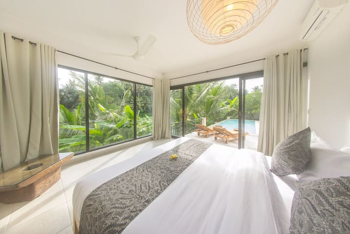 Spacious sleeping room with amazing view