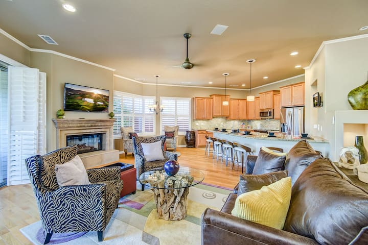 Open Floor Plan Great Room with High-end Furnishings, Including a Full Size Sofa Sleeper