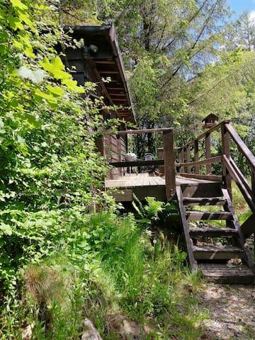 Skokholm lake view log cabin in the Preseli Hills