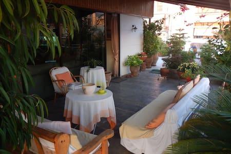 50sqm-Evegreen terrace-close to metro&sea side :) - Agios Dimitrios