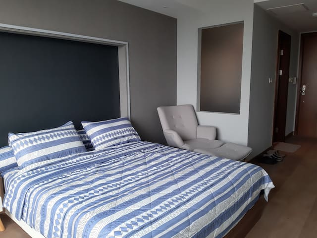 *NEW* Furnished Studio POOL VIEW Karawaci