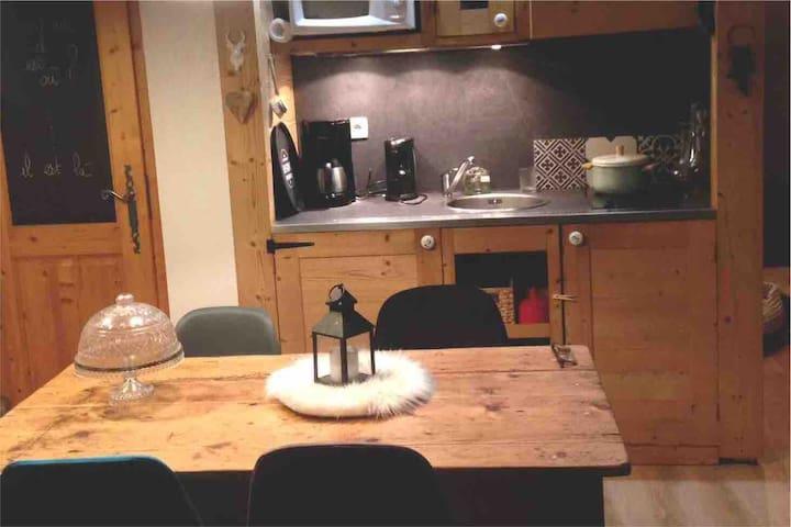 Grand studio cosy avec piscines int et ext