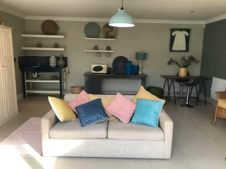 Lovely, cozy and happy studio apartment