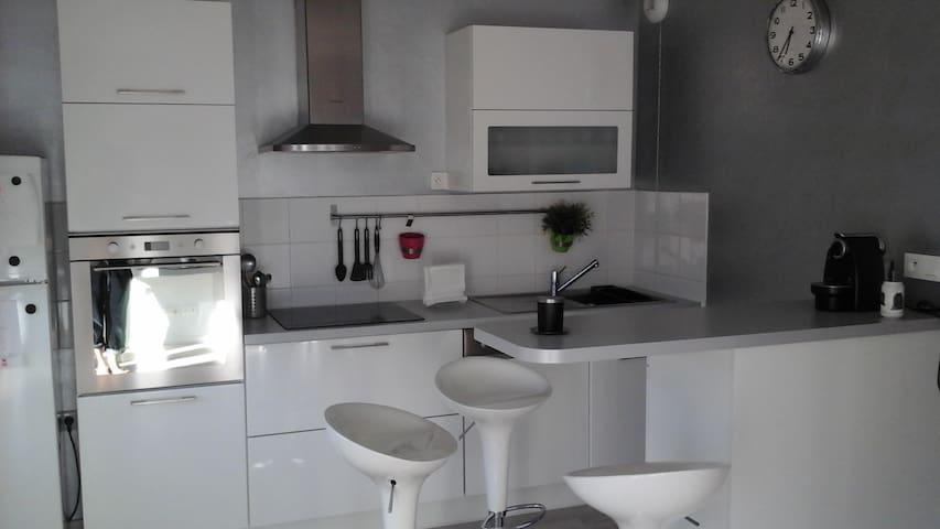 Loue appartement T2 - Pechbonnieu - Condo