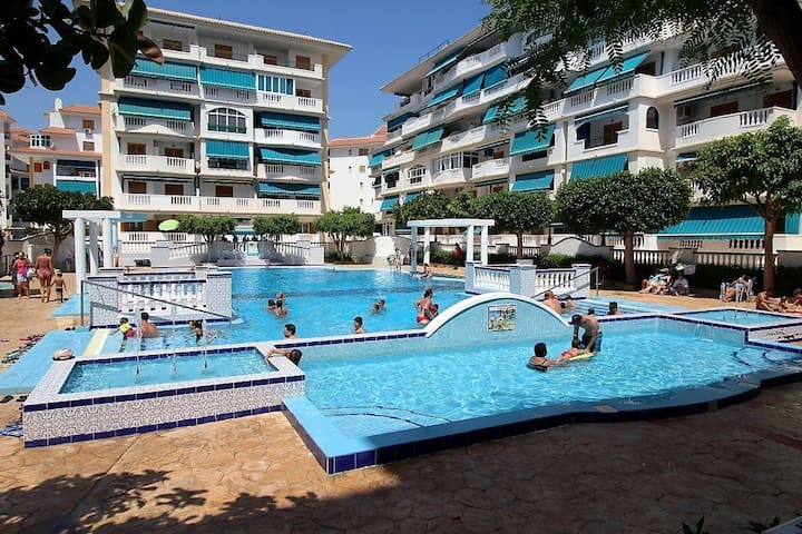 2 bedroom apartment 100m from La Mata Beach