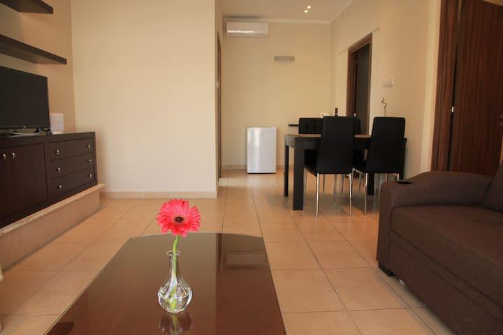 fwtini luxury one-bedroom apt
