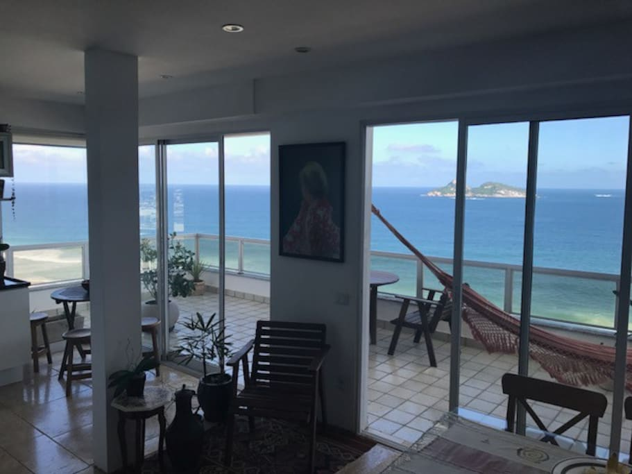 Living room / View of the outside area