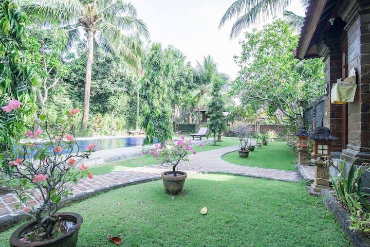 2 BR Villa Mahalini 3 Oberoi - Kuta - Dom