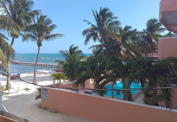 Beach Condo Brand New Caye Caulker  33