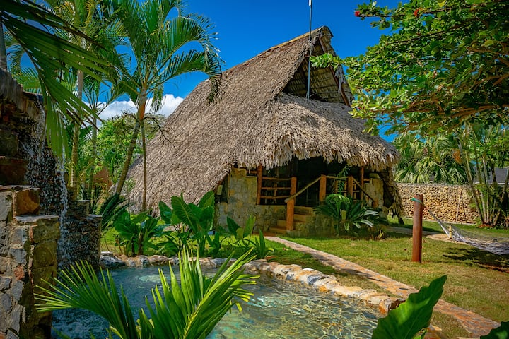 ChaletTropical #1, Independent Villa with Pool