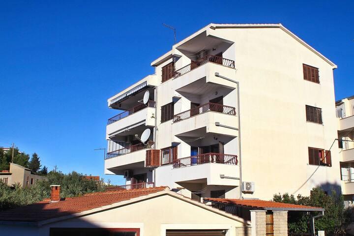 Apartment Mirjana (45971-A1)