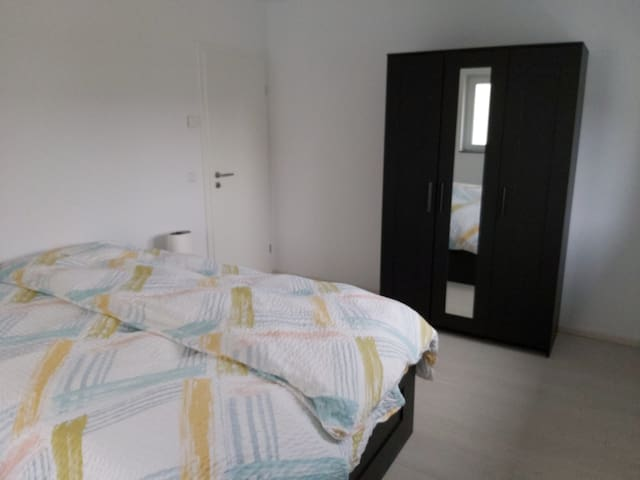 Spacious, bright room with double bed