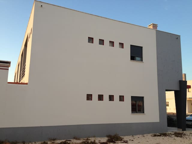 Casa moderna perto de praias - Rogil - Дом