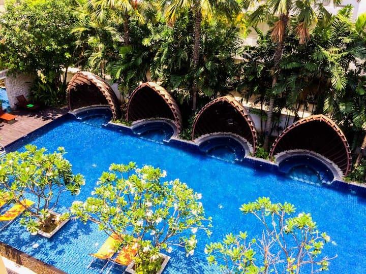 Nos pool view