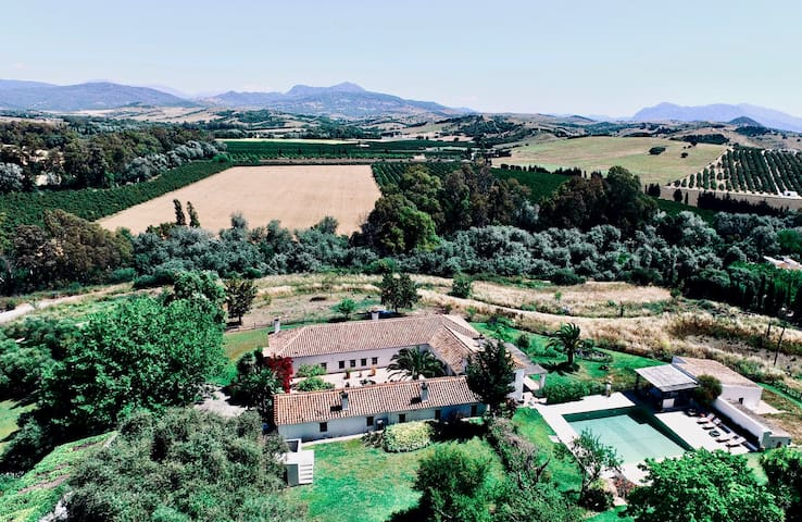 Luxury Andalusian Farmhouse Bed & Breakfast