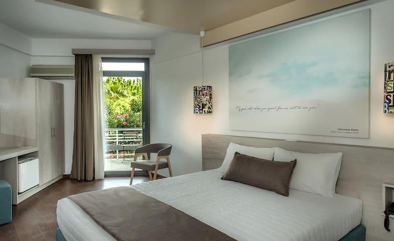 Twin room in breachfront Hotel in Nafplio