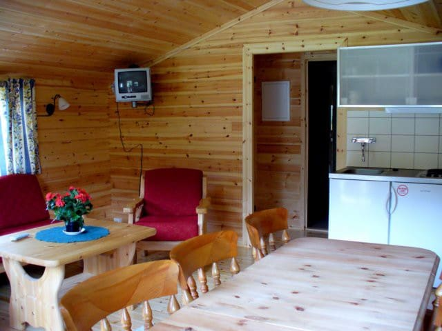 Cabin with 2 sleeping rooms in Furuly Camping