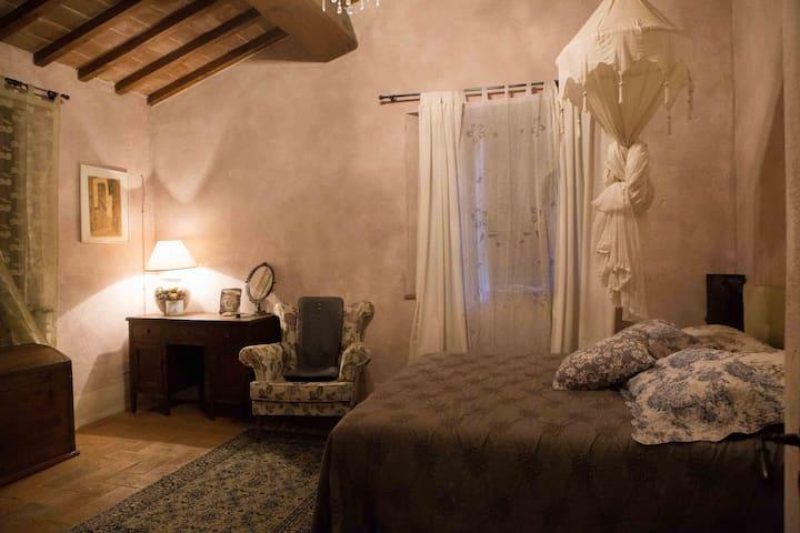 B&B Fattoria La Parita - Suite in campagna Toscana - Ruscello - Penzion (B&B)