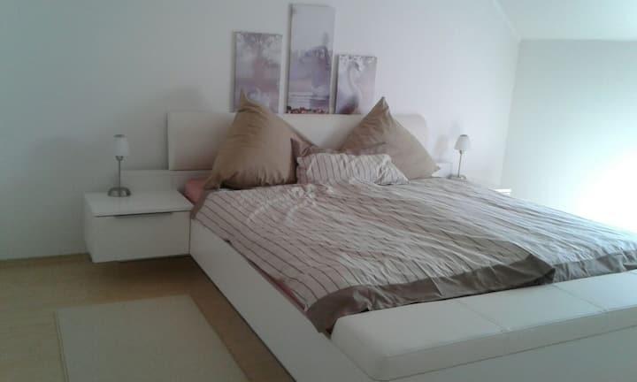 Am Rheinfall - Zimmer 2 - Room 2
