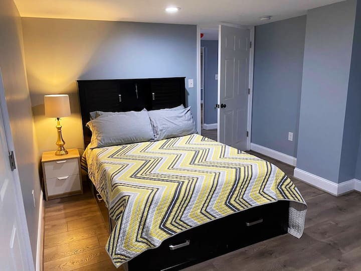 Cozy Room with Private Bathroom R2