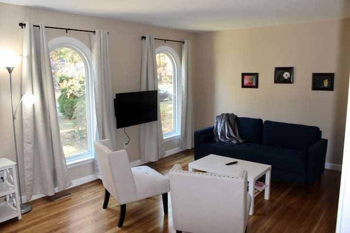 Bon Air-Richmond 3 Bedroom with King and 2 Queens