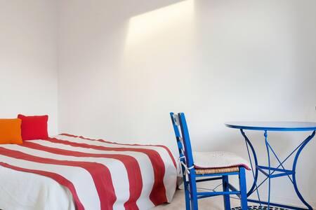 BELLE CHAMBRE SUNNY QUIET ROOM NEAR PARIS - Le Pecq