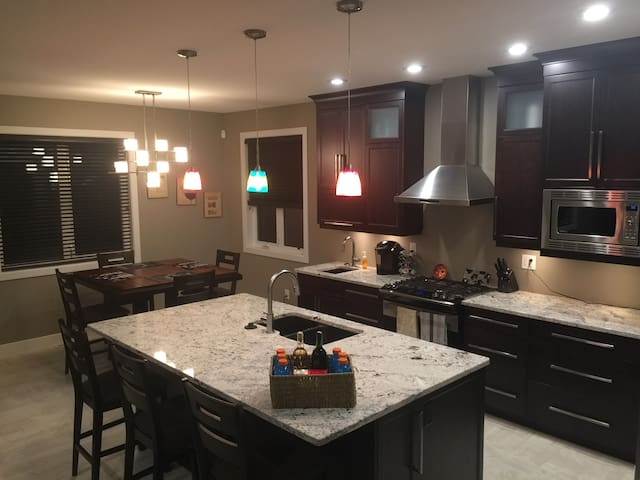 Large, Comfy and Quiet Home - Regina - House