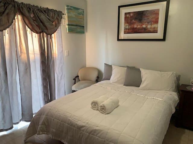 Beautiful Large 2 Bedroom Apartment