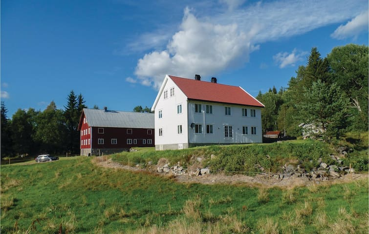 Holiday cottage with 4 bedrooms on 180m² in Grimstad