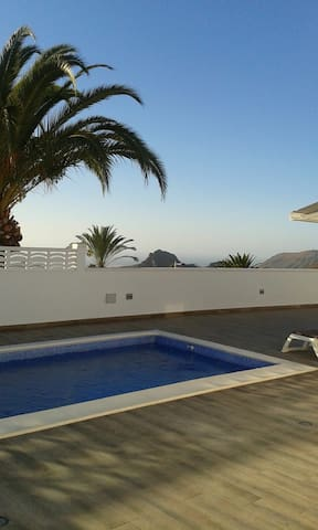 OceanView Villa with Swimming Pool in Arona