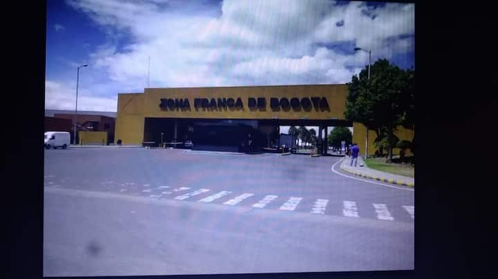 Excellent location Near to Airport/zona franca