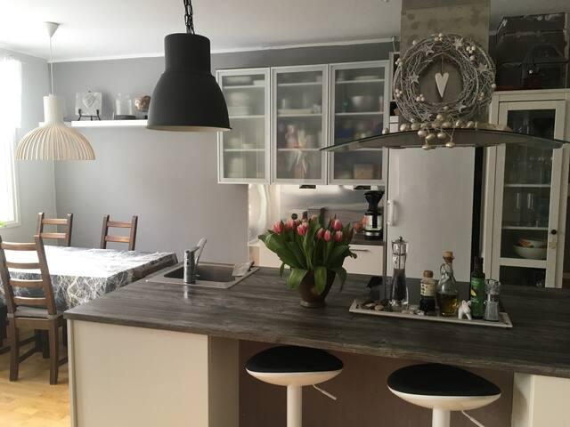 Viihtyisä asunto Helsingin Paloheinässä 120m2