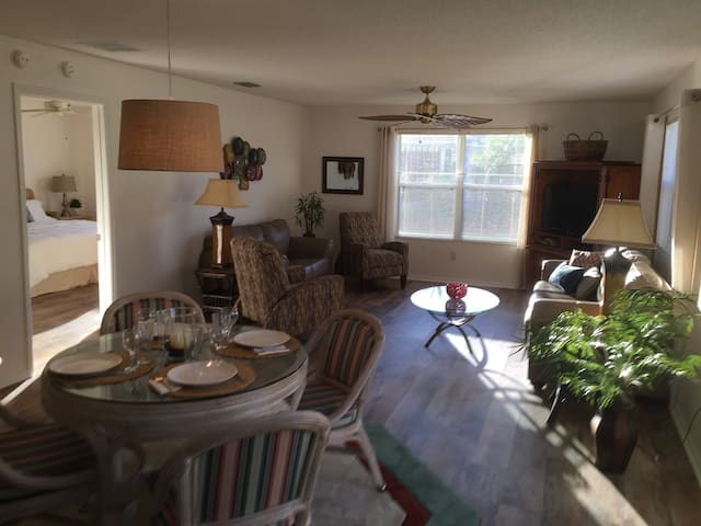 Villages villa+cart near Sumter Landing (Ashland)