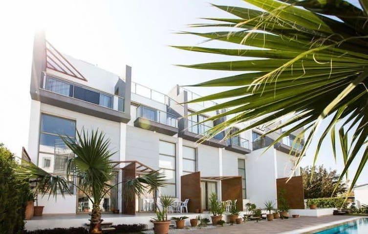 Апартаменты в новом комплексе у моря