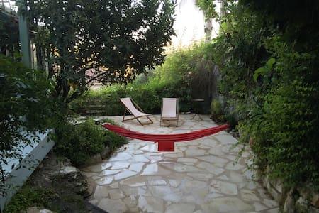 Sabina countryside getaway - Amikam - House