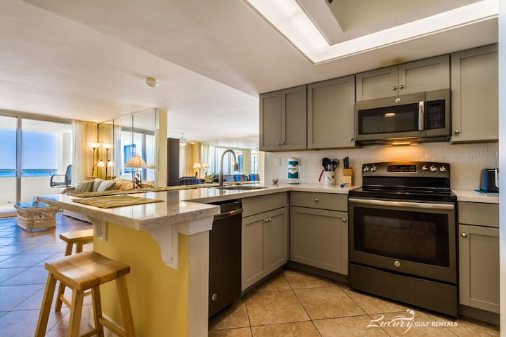 All reasonable offers considered for any stay **Perdido Sun 816**