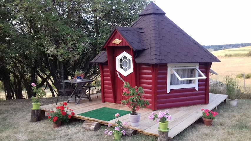 Dormir dans une cabane kota finlandaise,belle vue.