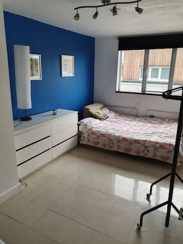 Comfortable room with sofabed in North London