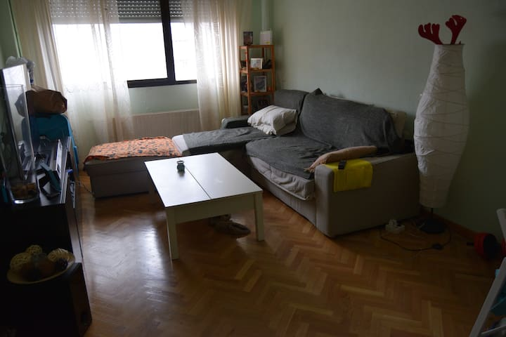 Room in madrid, habitacion a 20 min del centro