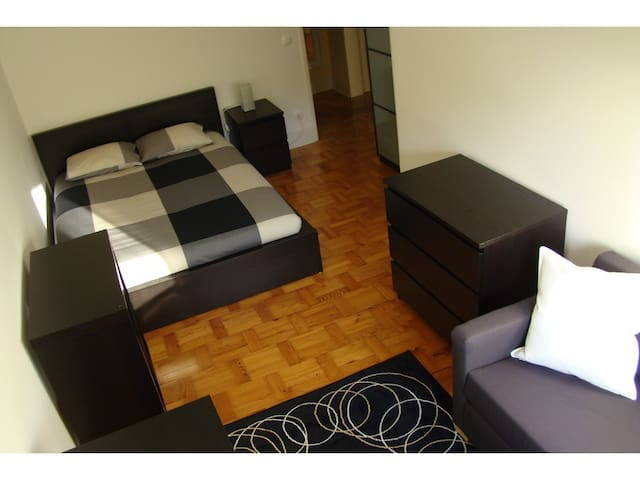 HOUZE_Central Lisbon, 4 rooms flat w/ Zoo view