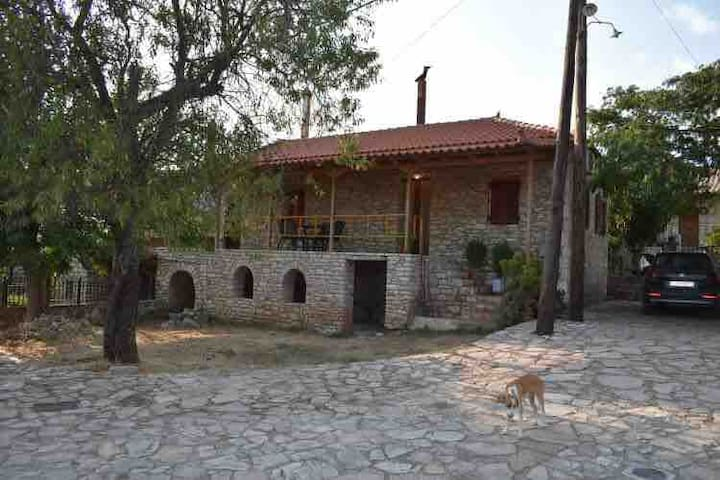 Fotini's Stonehouse