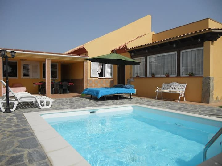 Villa Oasi  Chill-out & Private Pool in Corralejo