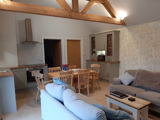 The Foragers: Modern & luxurious 3 bed apartment