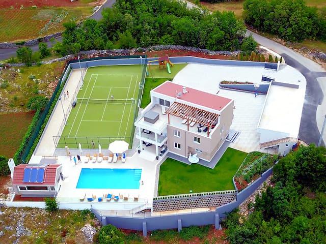 Villa Seven Lakes
