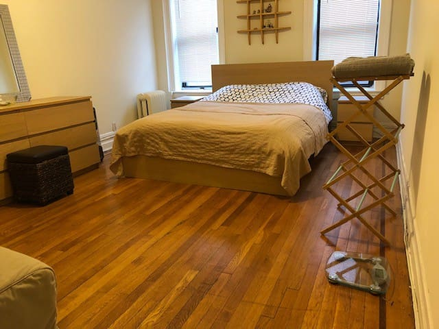 one bedroom sharing apartment safe, clean