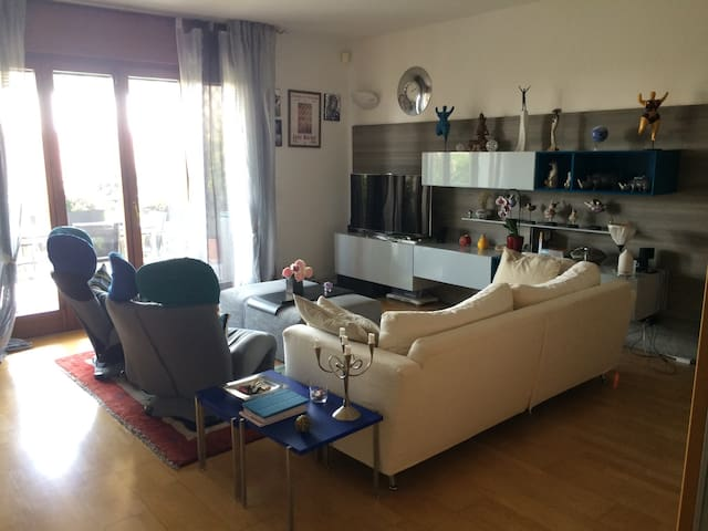 Attico 4 stagioni intera casa - Bussolengo - Lejlighed