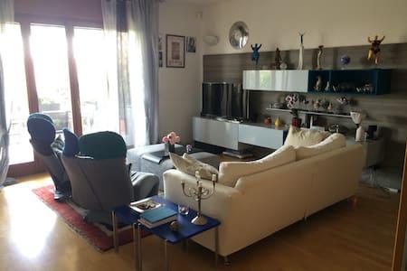 Attico 4 stagioni intera casa - Bussolengo - Apartment