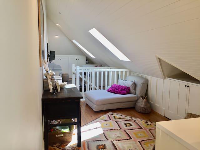 Prime harbourside attic suite