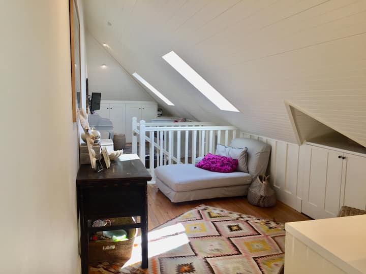 Prime harbourside attic suite
