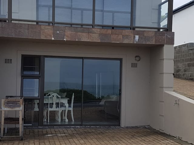 Franskraal Seafront apartment with a view